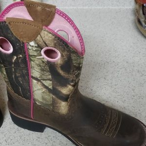 Ariat Shoes - Ariat fat baby boots 7.5 B